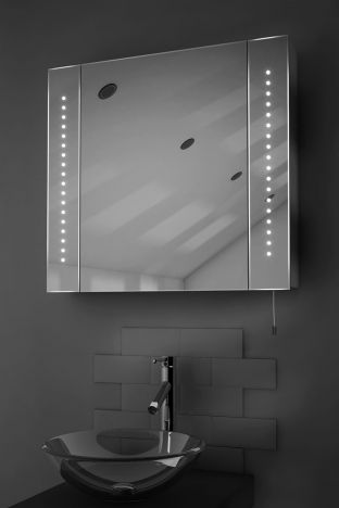 Regal LED bathroom cabinet with battery power